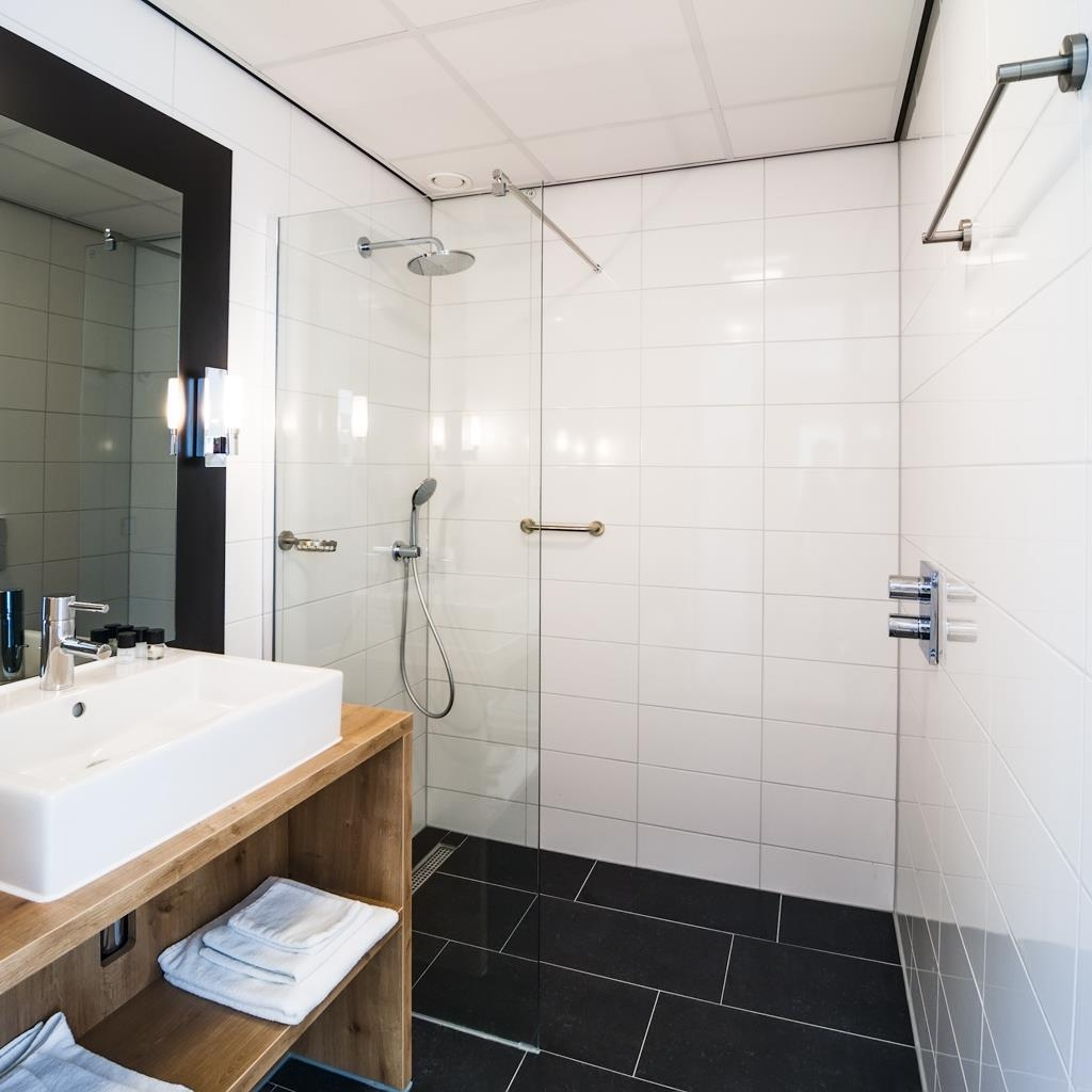 Best Western Plus Hotel Restaurant Aduard - Deluxe Room Bathroom