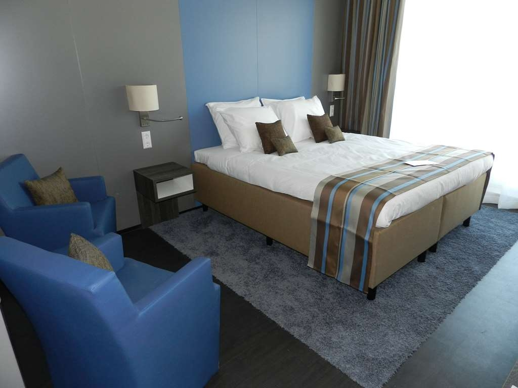 Best Western Plus City Hotel Gouda - Comfort Room in Blue Theme