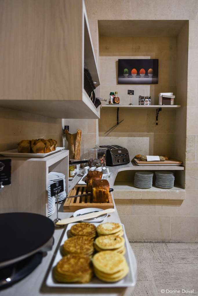 Best Western Plus Hotel d'Anjou - buffet sucré