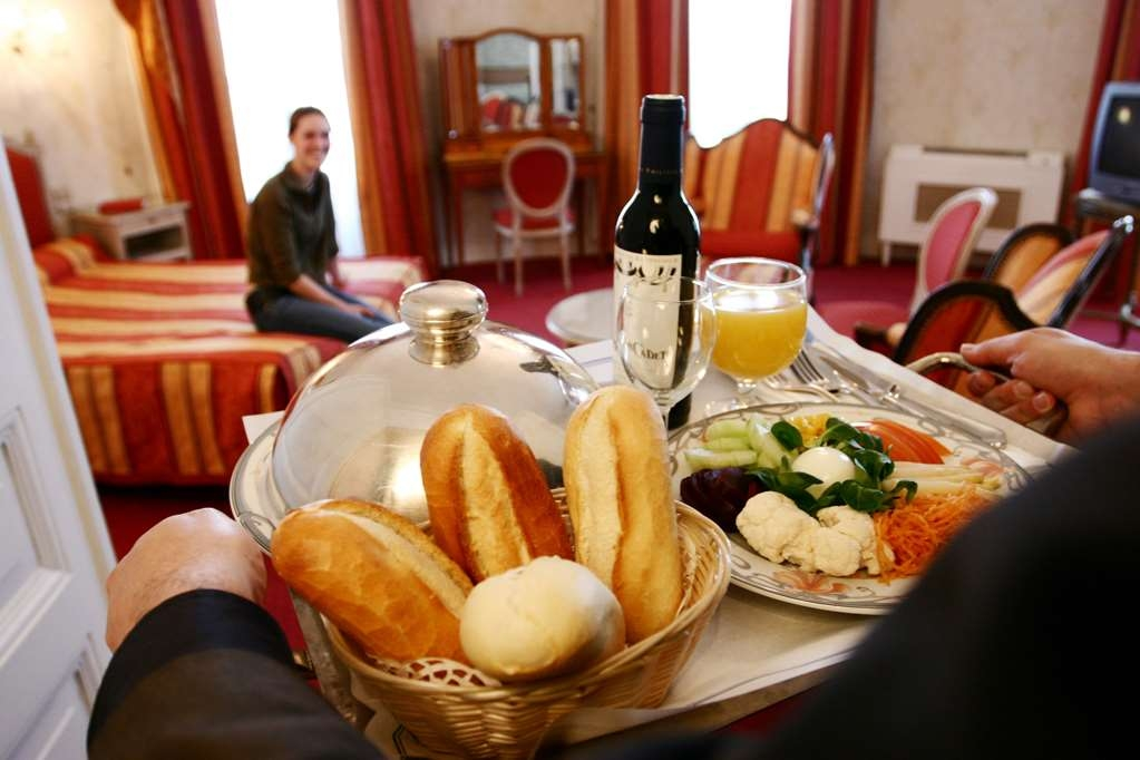 Best Western Continental - Breakfast Service