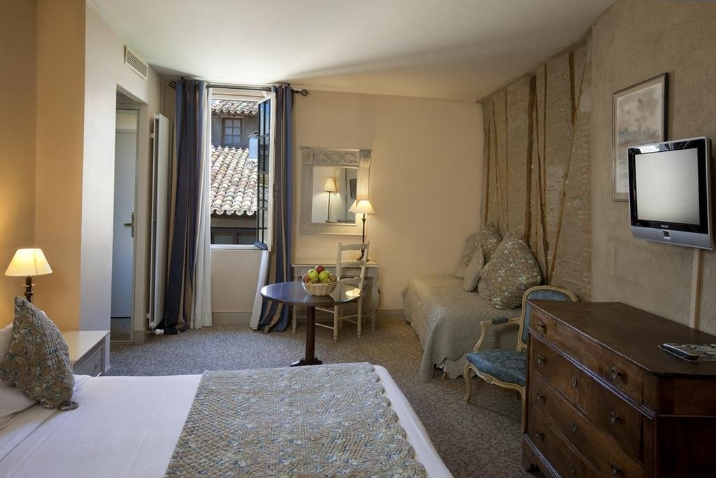 Best Western Le Donjon Les Remparts - Guest Room