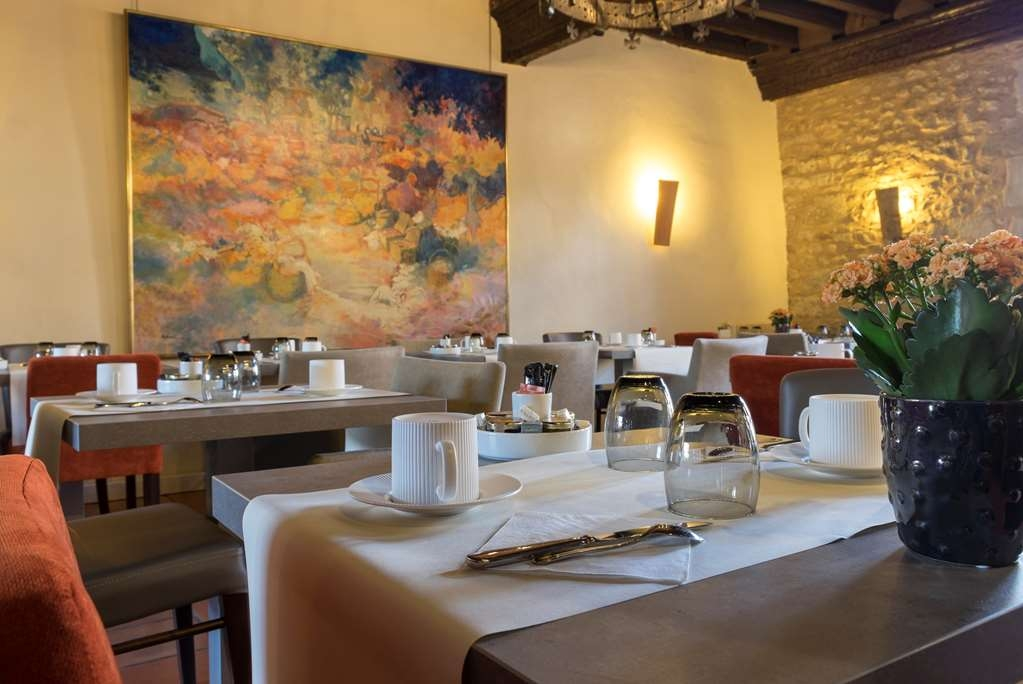 Best Western Plus Hotel Le Donjon - Frühstücksbereich