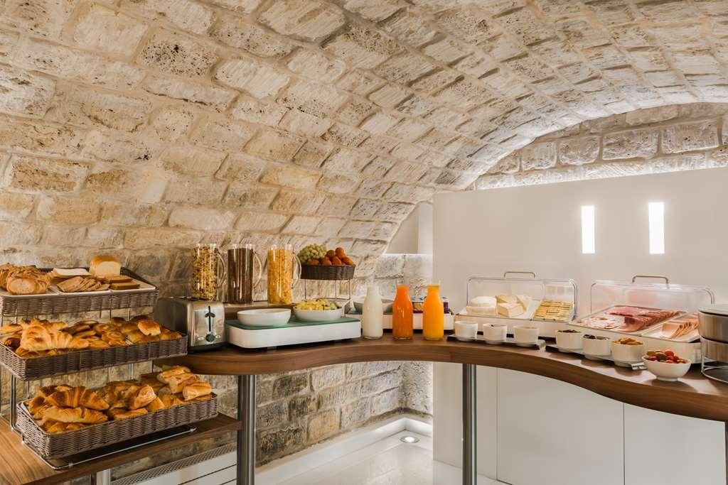 Best Western Jardin De Cluny - Buffet breakfast, local and organic.