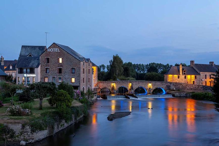 Best Western Le Moulin De Ducey - Aussenansicht