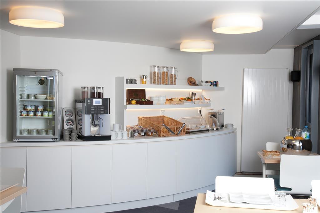 Best Western Le Moulin De Ducey - Breakfast Area