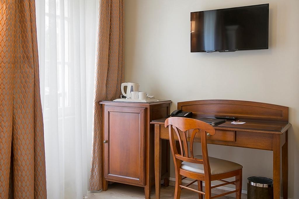 Best Western Au Trocadero - Gästezimmer/ Unterkünfte
