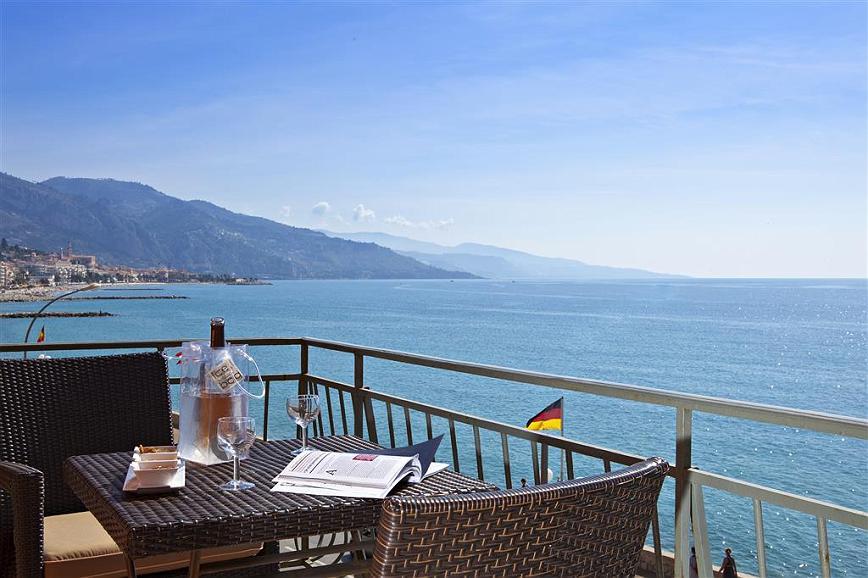 Best Western Plus Hotel Prince De Galles - Terraza