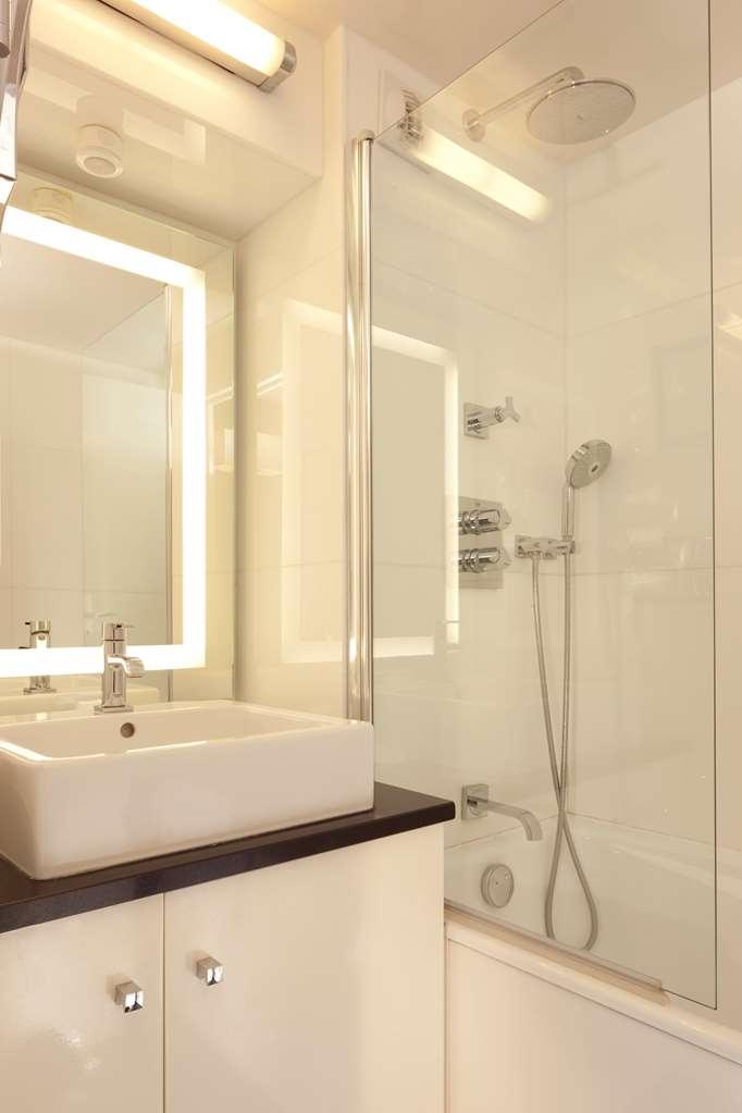 Best Western Bretagne Montparnasse - Salle de bains chambre familiale