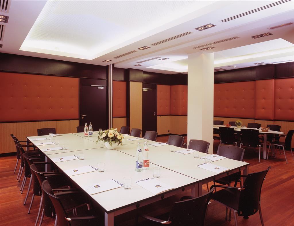 Best Western Plus Monopole Metropole - Salle de réunion