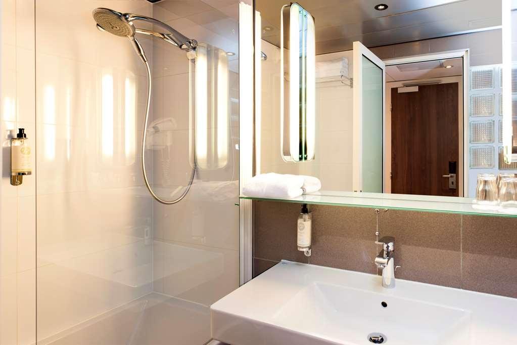 Best Western Plus Monopole Metropole - Bathroom - Executive Room