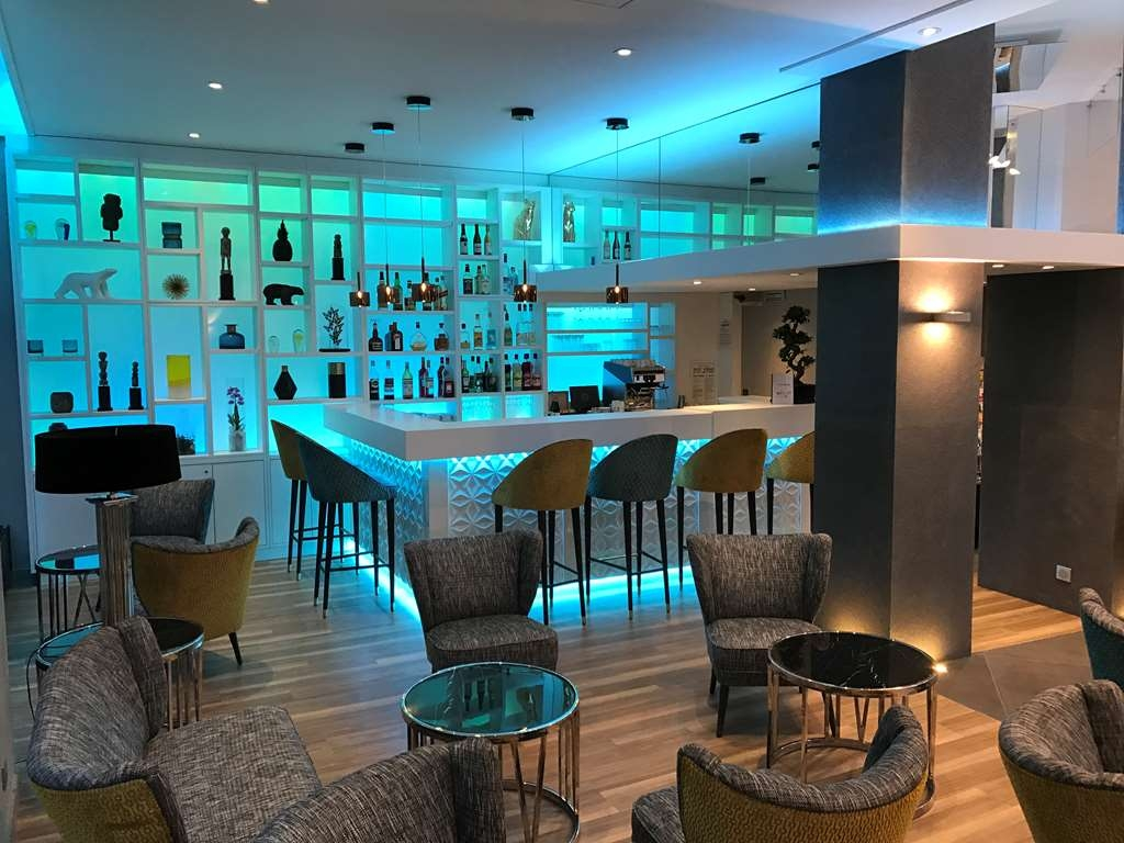 Best Western Plus Hotel Carlton - Bar/Lounge