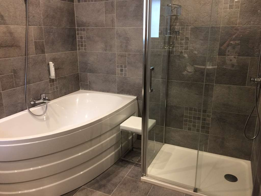 Best Western Hotel De France - Deluxe triple salle de bain et douche