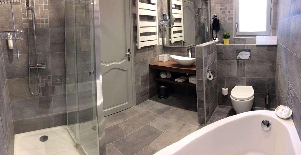 Best Western Hotel De France - Salle de bain et douche Deluxe Triple
