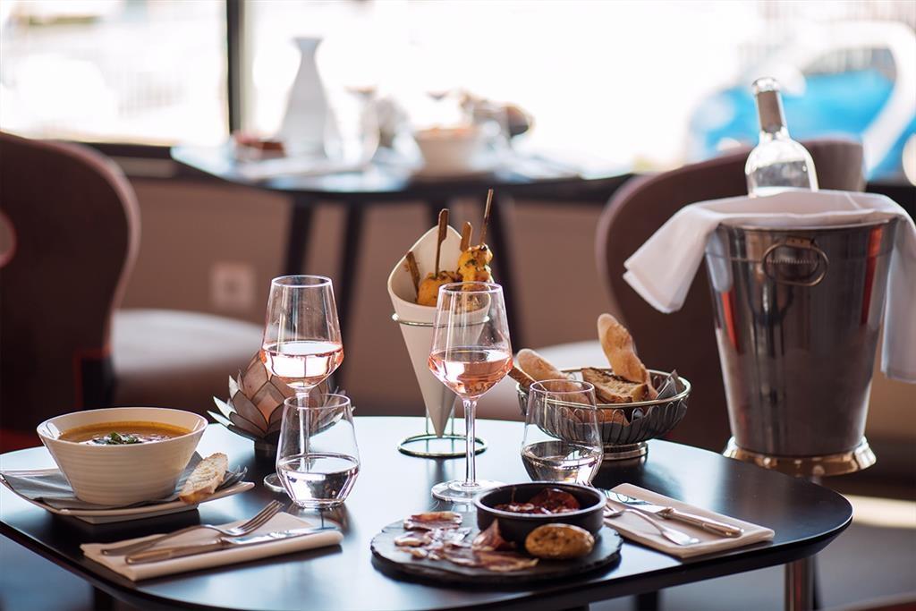 Best Western Plus La Corniche - Restaurante/Comedor