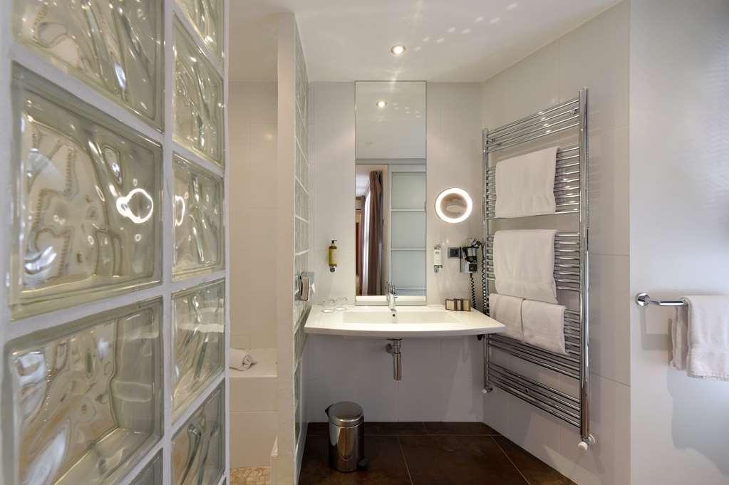 Best Western Plus La Corniche - Family Guest Room