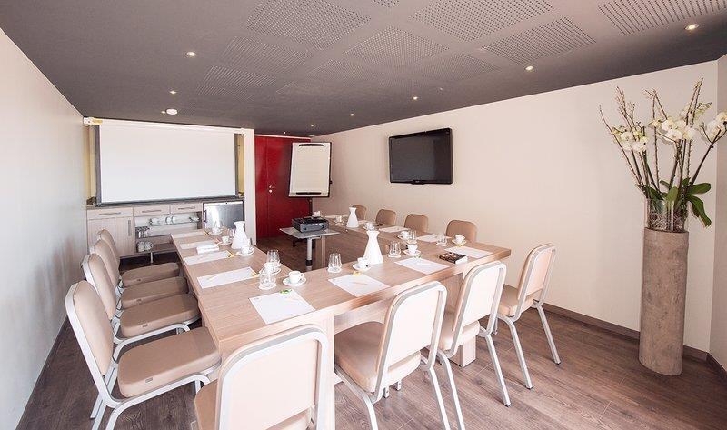 Best Western Plus La Corniche - Sala de reuniones