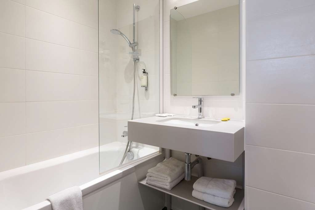 Best Western Paris Italie - Guest Bathroom