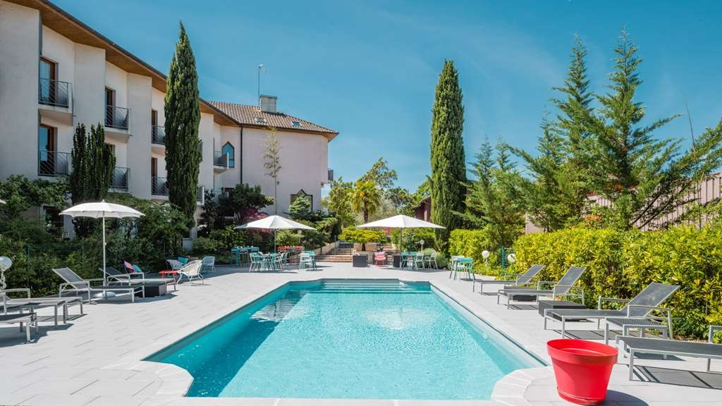 Best Western Bridge Hotel Lyon East - Outdoor Pool