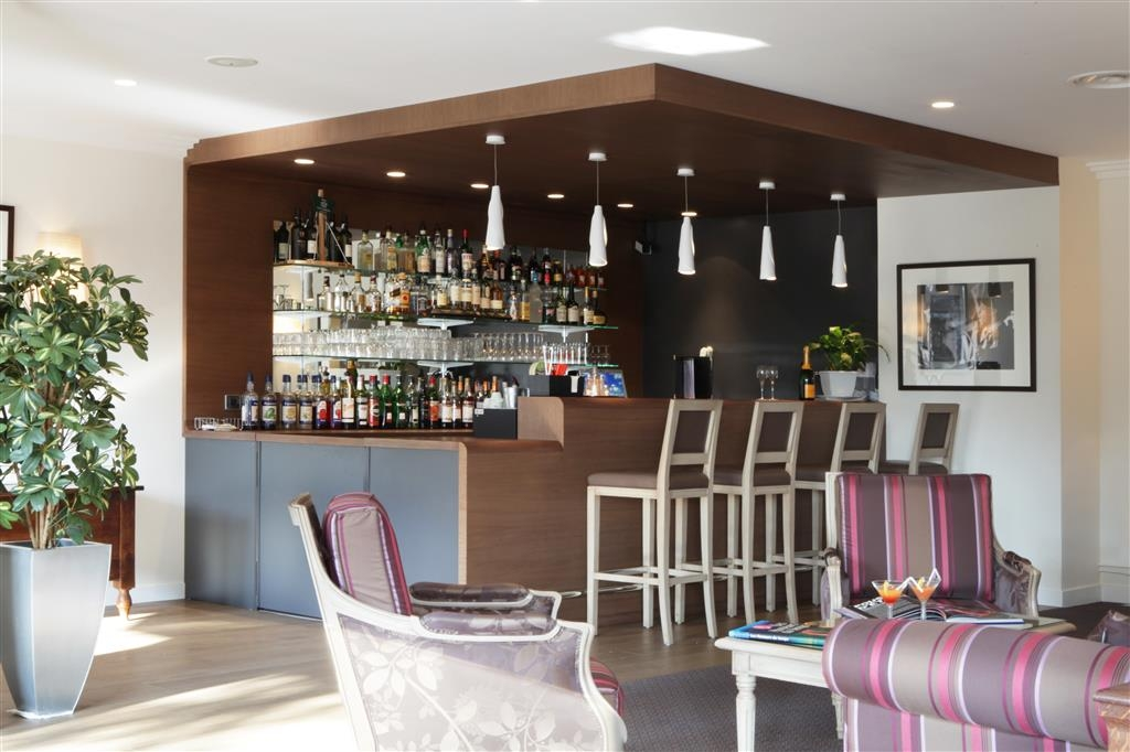 Best Western Plus Hostellerie Du Vallon - Bar
