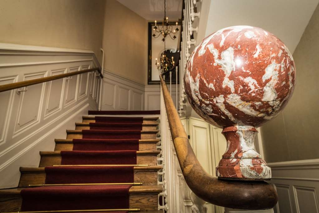 Best Western Hotel De France - Lobby Staircase