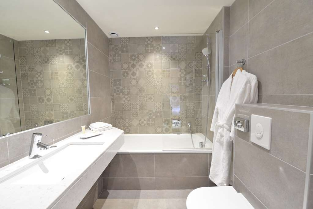 Best Western Plus Hotel D'Angleterre - Guest Room Bath