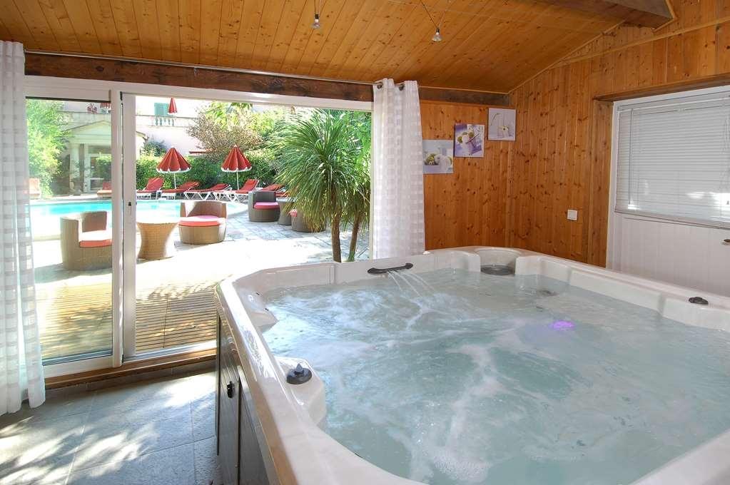 Best Western L'Orangerie - chaud baignoire