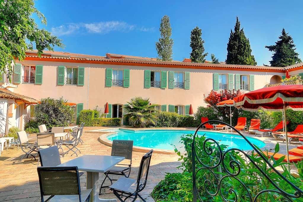 Best Western L'Orangerie - Vista de la piscina
