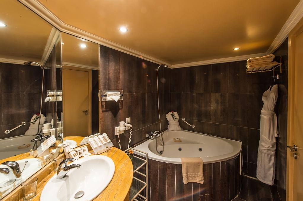 Best Western Hotel Toubkal - Suite Bathroom