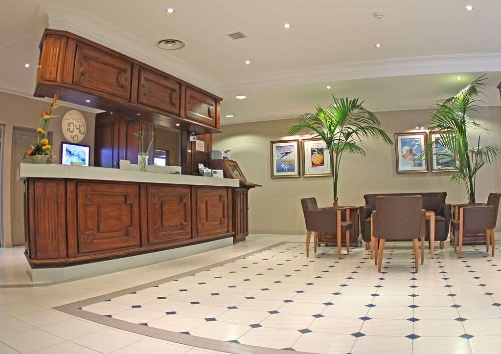Best Western Marseille Aeroport - Hotel Lobby