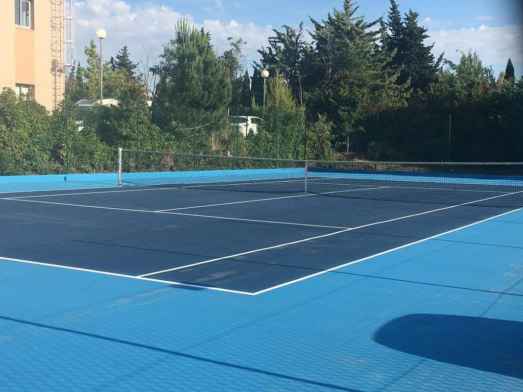 Best Western Marseille Aeroport - Tennis Court