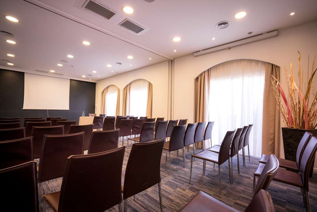Best Western Plus Hotel La Marina - Meeting Room