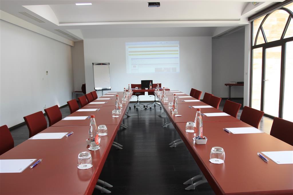 Best Western Plus Le Lavarin - Meeting Room