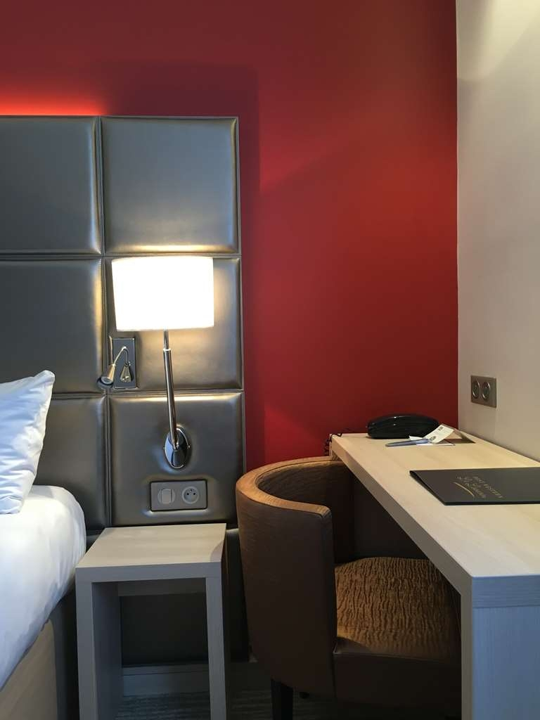 Best Western Plus Le Lavarin - Classic Room
