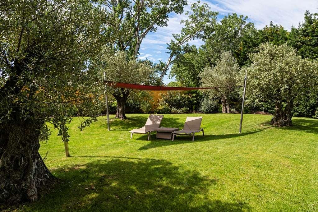 Best Western Plus Le Lavarin - Garden