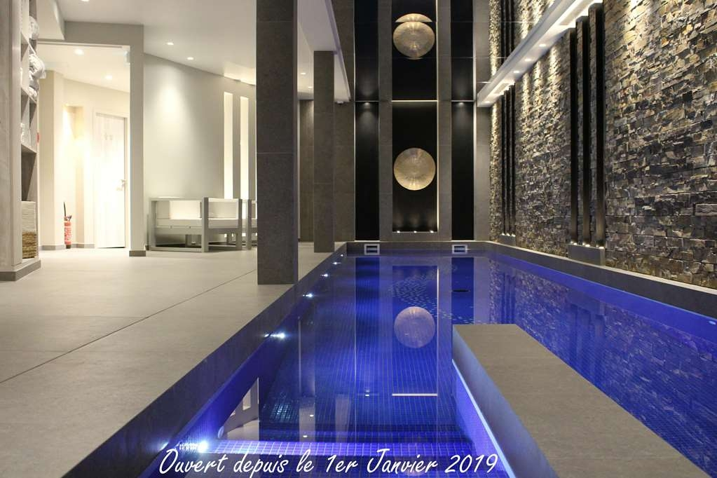 Best Western Plus Le Lavarin - Pool