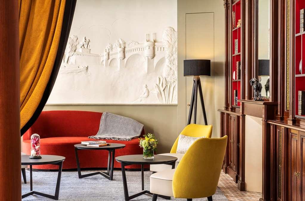 Best Western Premier Ducs De Bourgogne - Vista del vestíbulo