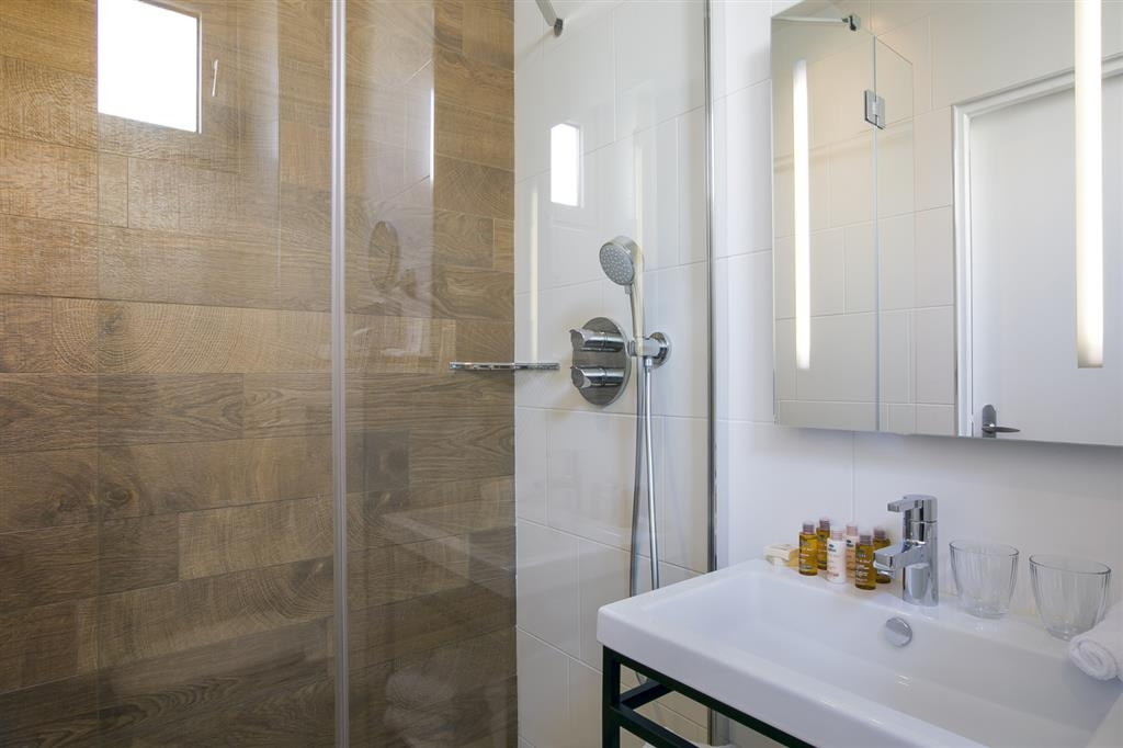 Best Western Premier Marais Grands Boulevards - Cuarto de baño de clientes