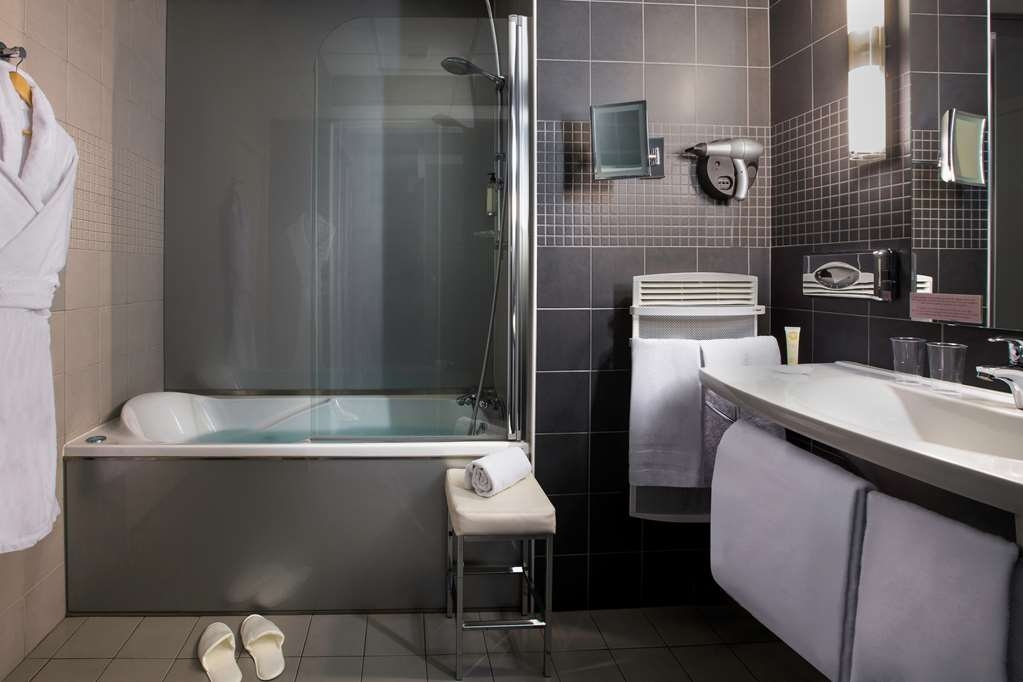 Best Western Plus Richelieu - Suite Bathroom