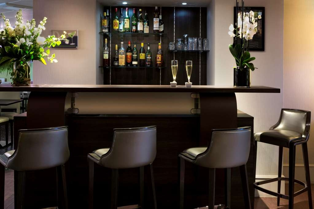 Best Western Plus Richelieu - Bar / Lounge