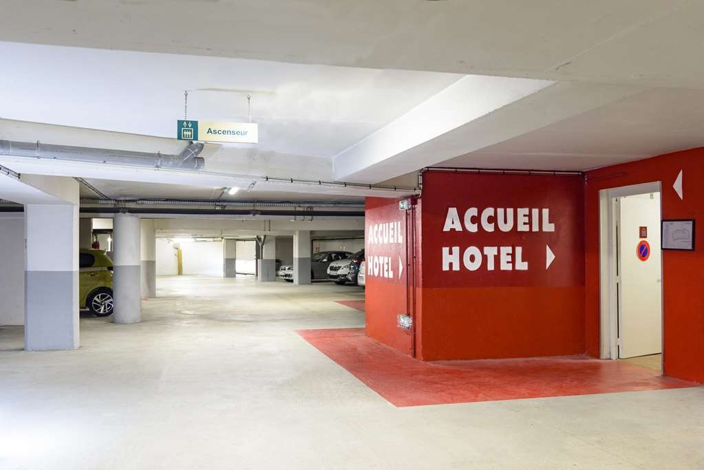 Best Western Bastia Centre - Parking lot