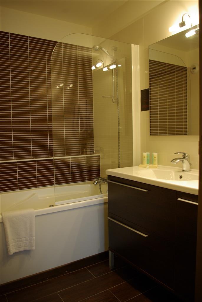 Best Western Kregenn - Guest Bathroom