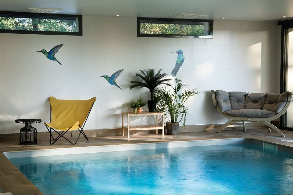 Best Western Plus Hotel les Rives du Ter - Vista de la piscina
