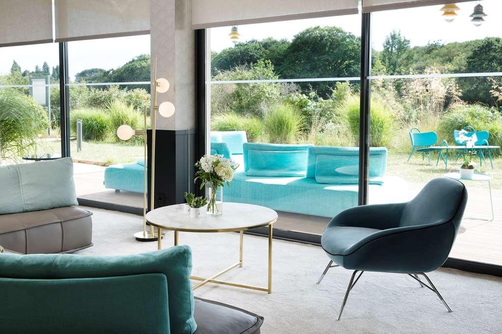 Best Western Plus Hotel les Rives du Ter - Vista del vestíbulo