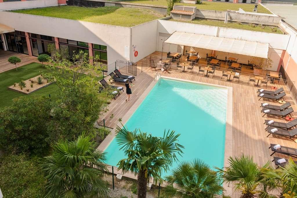 Best Western Le Galice Aix Centre-Ville - Poolansicht