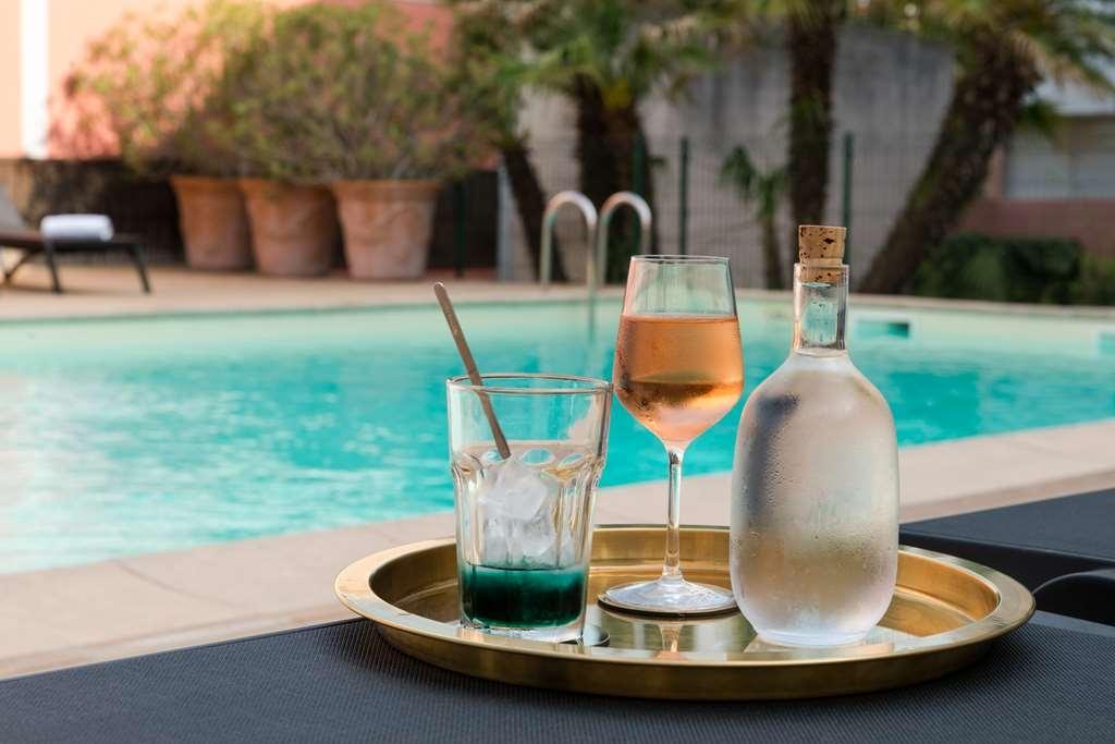 Best Western Le Galice Aix Centre-Ville - Vue de la piscine