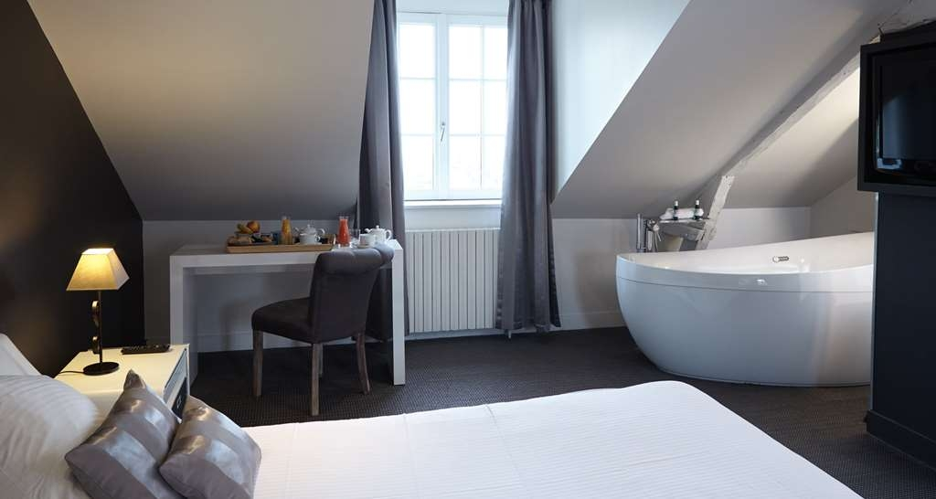 Best Western Le Cheval Blanc - Guest Room