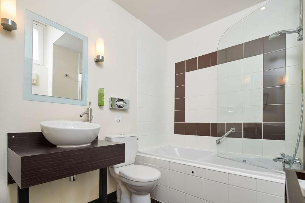 Best Western Brittany La Baule-Centre - guest bahtroom