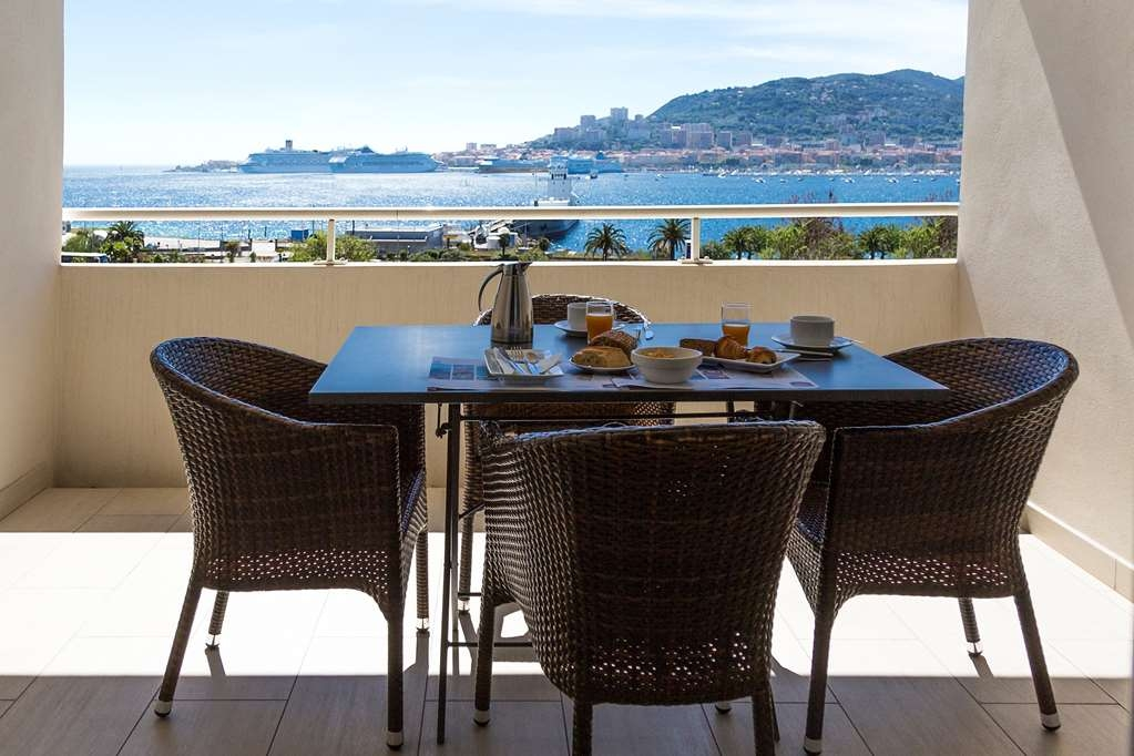 Best Western Plus Ajaccio Amiraute - 1 Bedroom Suite