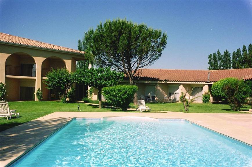 Best Western Hotel Paradou - Piscine extérieure