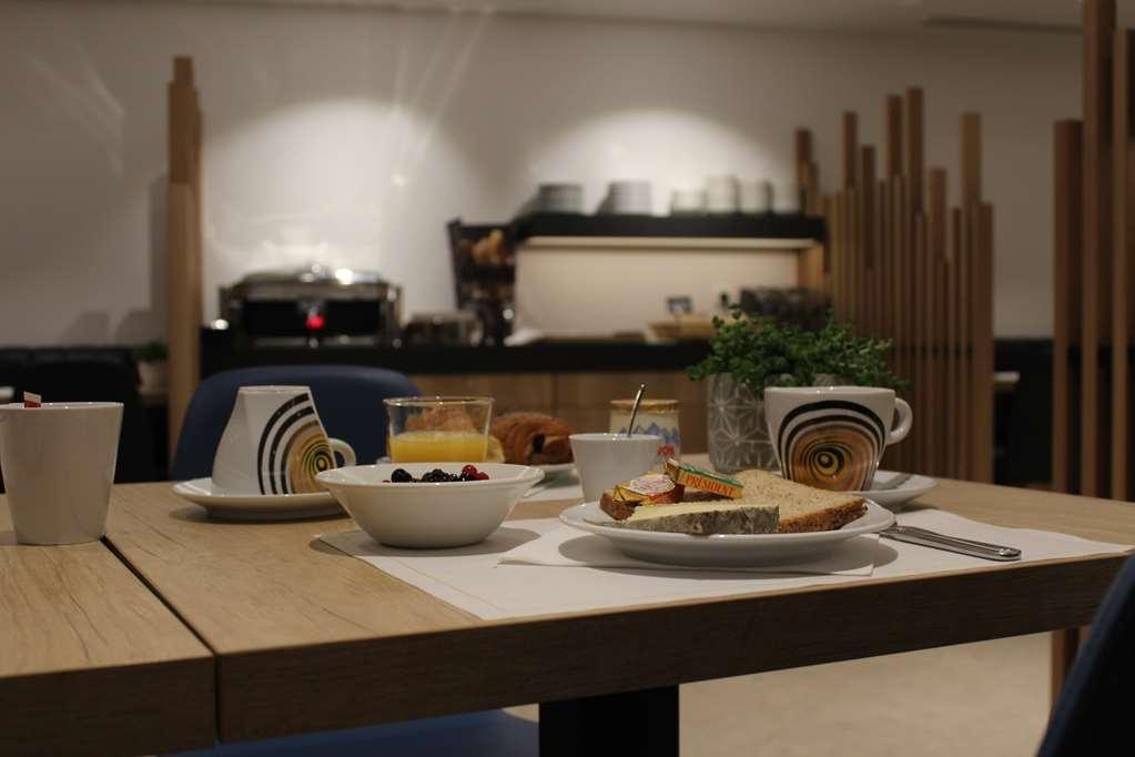 Best Western Hotel International - Salle de petit déjeuner